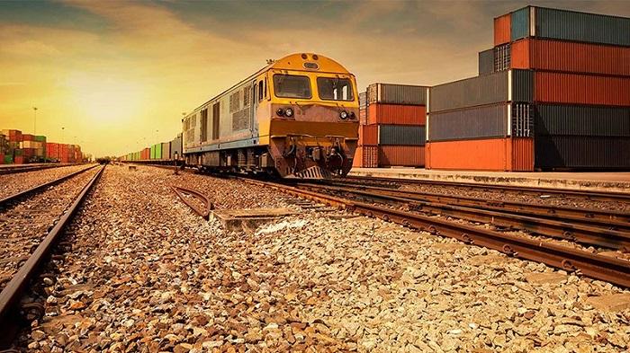 Vận tải đất liền bằng đường bộ và đường sắt