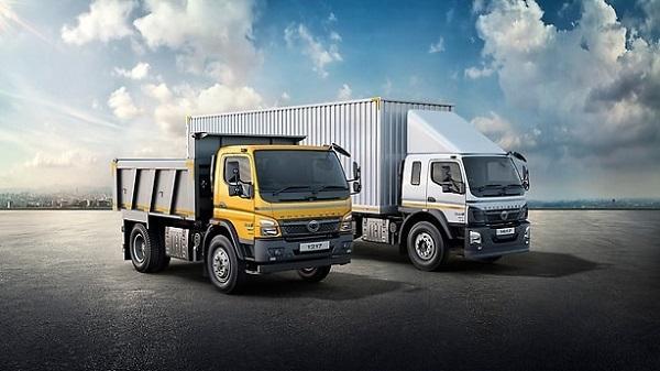 Xe tải phân theo động cơ thì có 2 loại là xe chạy bằng động cơ dầu và xăng