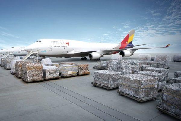 Phụ phí trong vận tải hàng không là loại cước phí hàng không cơ bản